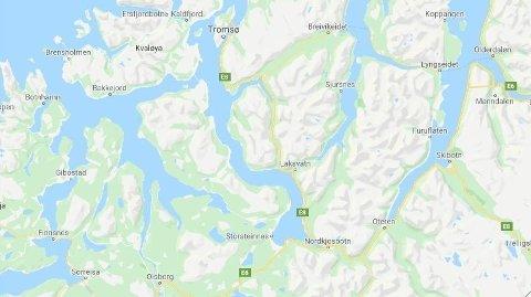 Ulykken skjedde på E8 i Balsfjord. E8 går fra E6 og til Tromsø