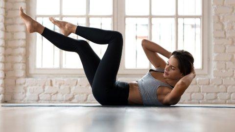 Formen faller med selv bare et par uker uten trening, men det er mye en kan gjøre på stuegulvet for å opprettholde.