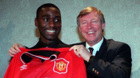 1995: Sir Alex Ferguson med et stort glis under offentliggjøringen av Andy Cole.