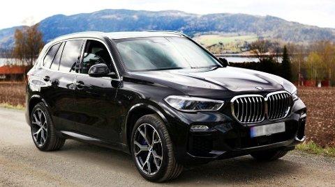 Dette er bilen mannen fra Agder skrapte frem, en BMW X5 xDRIVE45e plug-in hybrid.