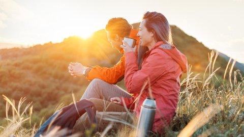ANNERLEDES FERIE: Ferien i år blir litt annerledes for mange. For noen er det en god ting, men parterapeutene ser hvert år en økning i henvendelser etter ferien.