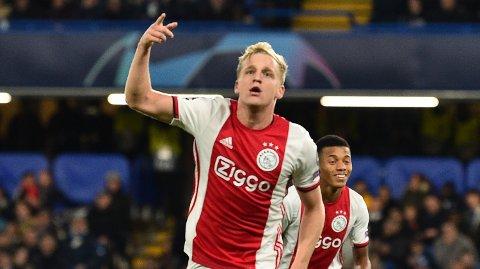 Donny Van de Beek kan være nær en overgang til Manchester United.