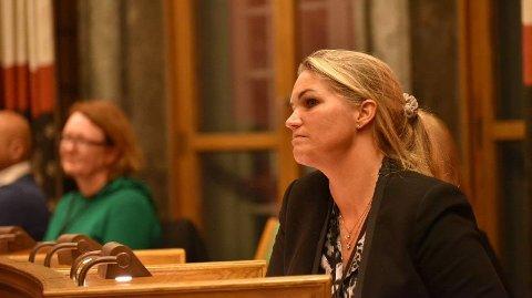 Cecilie Lyngby, bystyrerepresentant for Folkeaksjonen nei til mer bompenger (FNB), raser over at politikere ikke tar hensyn til folkets ønsker når det dreier seg om sykkelvei i Gyldenløves gate på Frogner i Oslo.