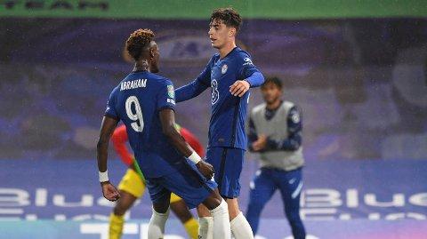 Tyske Kai Havertz (til høyre) er av nykommerne hos Chelsea denne sommeren. Onsdag kveld scoret han tre mål for sin nye klubb i 6-0 seieren over Barnsley i ligacupen.