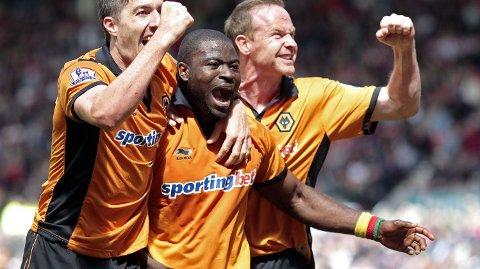 George Elokobi (midten) spilte flere sesonger for Wolverhampton Wanderers.
