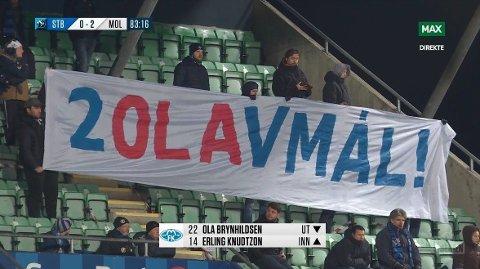 KLAR BESKJED: Stabæk-fansen holdt dette banneret oppe underveis i kampen. Meldingen var rettet mot Ola Brynhildsen.