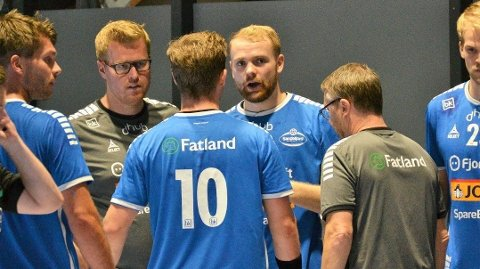Sander Ree-Lindstad (midten) har fått flest røde kort i Rema 1000-ligaen så langt denne sesongen. Foto: Christoffer Hjalmarsson, Sandefjord Blad