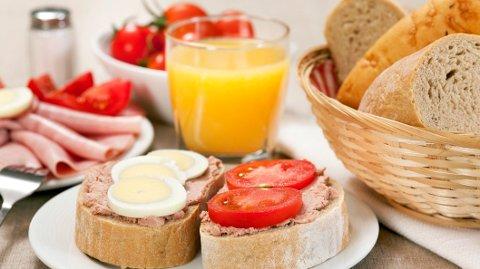 FROKOST: Svært mange vil ha frokost levert hjem på døren på Østlandet i disse dager. Illustrasjonsfoto.