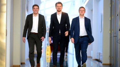 VEILEDNING: Det er advokatfirmaet Brækhus, her representert ved Dag Michael Bjerkli (t.v.), Brede A. Haglund og Alexander Mollan, som på vegne av Norsk Tipping bistår millionvinnere med økonomisk veiledning.