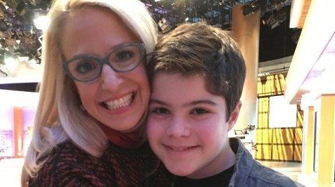 - Barna vet ikke hva de tar. Hjertet mitt er helt knust, og jeg er ikke sikker på hvordan jeg skal fortsette å puste, skriver den fortvilte moren etter at Samuel Berman Chapman (16) døde av en overdose.