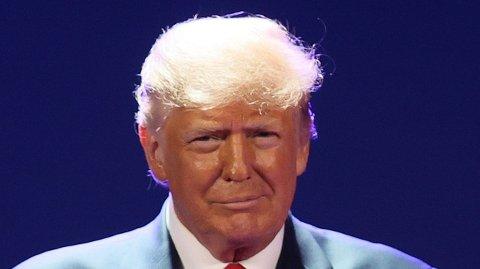 Tidligere president Donald Trump sier hans etterfølger Joe Biden har hatt den dårligste første måneden som president i USAs historie.