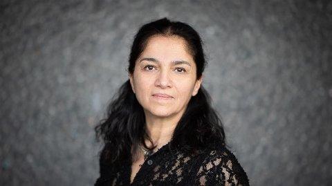 Meera Grepp er kommuneoverlege i Asker. Hun frykter et smitteutbrudd i kommunen etter festing blant elever fra Asker videregående skole.