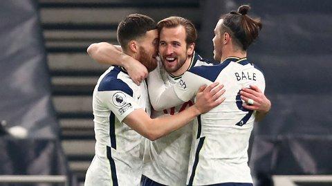 Harry Kane (midten) jubler sammen med lagkameratene etter å ha scoret Tottenhams tredje mål i 4-1-seieren mot Crystal Palace sist helg.