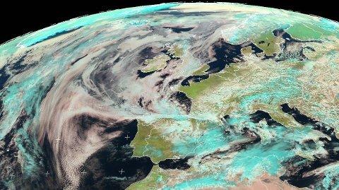Satelittbilde fra EUMETSAt fredag 19. mars.