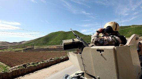 AFGHANISTAN: I 18 år har norske soldater blitt sendt til Afghanistan. Bildet viser en norsk soldat i Faryab-provinsen i Nord-Afghanistan i 2010.