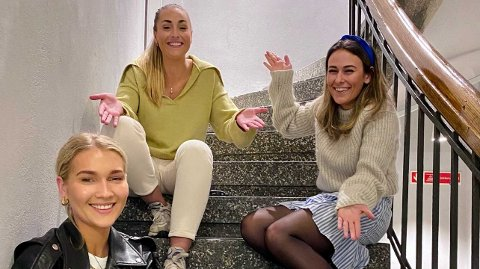 NY EPISODE: Andrea Eriksen gjester denne ukas episode av«Schendis» med Julie Solberg og Rikke Monsen.