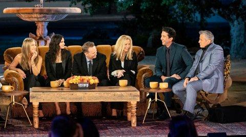 SAMMEN IGJEN: 17 år etter at siste episode ble spilt inn, returnerte «Friends»-stjernene til settet.