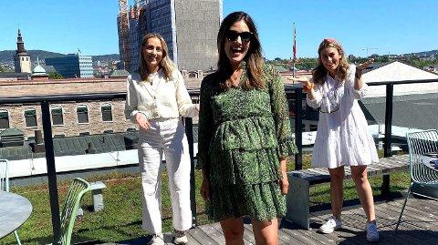 NY EPISODE: Samantha Skogrand gjester Nettavisen podkasten«Schendis» med programleder Julie Solberg og Rikke Monsen.