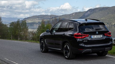 BMWs nye elbil IX3 kom best ut i NAFs nye rekkeviddetest.