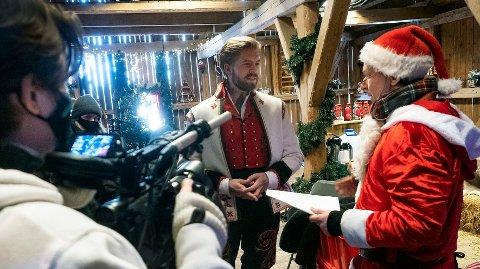 JULEKALENDER: Espen Eckbos julekalender får en tredje sesong, denne gangen med Jakob Schøyen Andersen i programlederrollen.