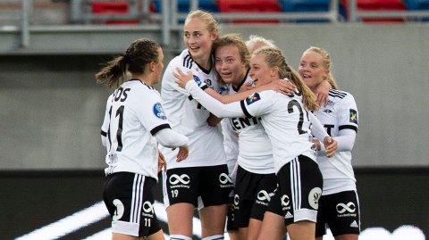 Vi tror Rosenborg og Sara Kanutte Fornes (midten) tar sesongens fjerde seier på rad mot Avaldsnes.