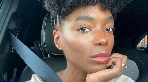 Tinashe Williamson avslører sine beste skjønnhetstips og hennes signaturparfyme.