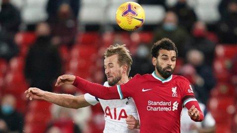 Harry Kane (t.v.) ble toppscorer i Premier League sist sesong, og Mohamed Salah havnet på plassen bak ham. Ekspertene mener at dette er de to største favorittene til å vinne tittelen i 2021-2022-sesongen.