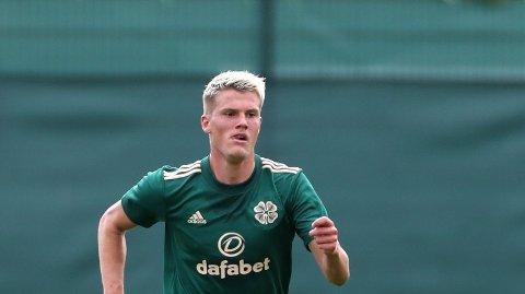 Leo Hjelde i aksjon for Celtic i sesongoppkjøringen.