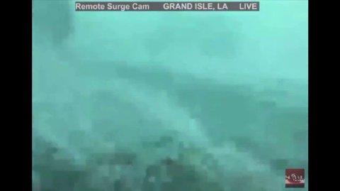 Frykten en stor i USA, i forbindelse med orkanen Ida som søndag kveld norsk tid har truffet Louisiana.