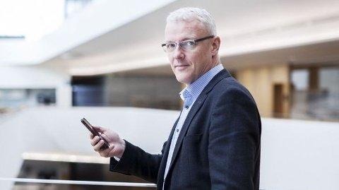LAR RENTEN STÅ: Har du vært trofast kunde hos Bulder Bank siden minst tidlig i år, slipper du å betale mer i for av økte renter. Her ser vi banksjef Torvald Kvamme i Bulder Bank.