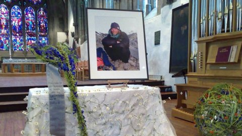 Rolf Bae som omkom i en klatreulykke nær toppen av K2-fjellet i Pakistan 1. august, ble fredag minnet i Stavanger domkirke.