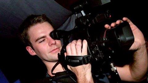 CNN-SUKSESS: Frilansfotograf Vegard Paulsen dokumenterte lørdagens pøbelaksjon fra Palestina-tilhengere i Oslo. Han ble avvist av norske medier - men CNN viste videoen til hele verden.