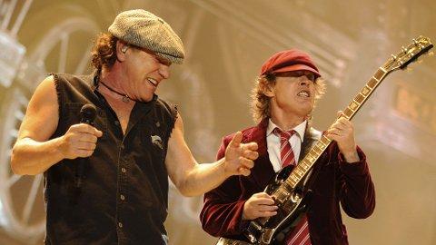 GUBBENE KOMMER: AC/DC fascinerer fortsatt det norske publikum, og er et av vinterens største navn.