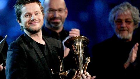 - EN SKANDALE: P3s musikksjef mener Madcon burde vunnet prisen for årets Spellemann, ikke Espen Lind.