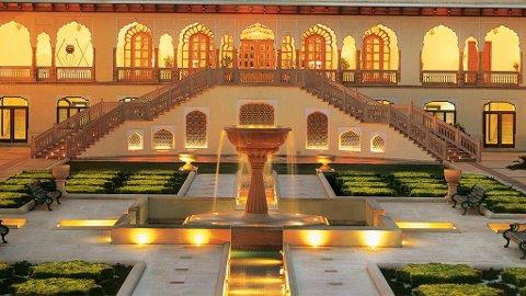 HOTELL I SÆRKLASSE: The Princes Suite på The Rambagh Hotel i Jaipur er ett av stoppestedene om du velger å reise verden rundt på 28 dager.