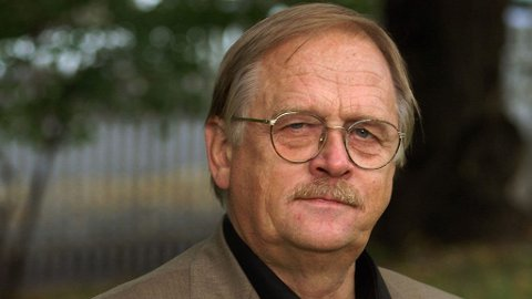 Professor Trond Norby