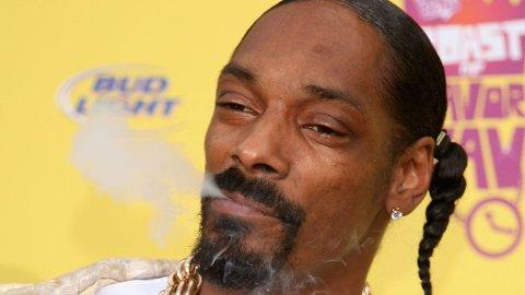 MER BLÅS, TAKK: Snoop Dogg og Amy Winehouse røyket seg bort da de forsøkte å samarbeide i studio.