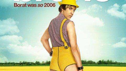 I ÅKEREN: Bruno (Sacha Baron Cohen) dyrker de landlige gleder på filmplakaten til «Bruno».