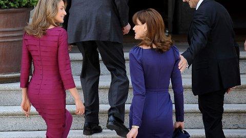 KONGELIGE MOTEKAMP: Carla Bruni tok opp motekampen med kronprinsesse Letizia.