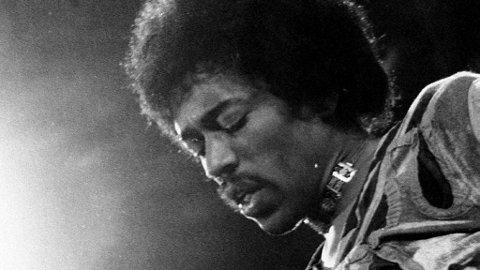 BORTE, MEN IKKE GLEMT: Jimi Hendrix er en av Woodstock-artistene som gikk bort så alt for tidlig. Men hans legendestatus blir større for hvert år som går.