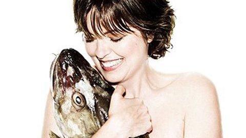 FOR FISKEN: Greta Scacchi er en av kjendisene som har slått seg sammen med fotografen Rankin for å vekke oppmerksomhet rundt fiskens vilkår.