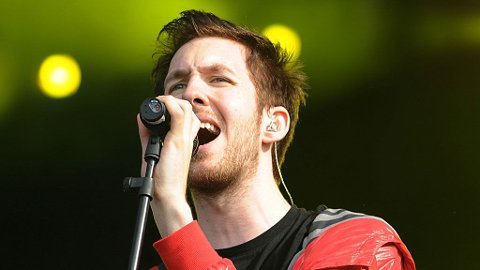 RASER: Den skotske synthpop-helten Calvin Harris raser mot fjerning av sin nye musikkvideo fra YouTube.