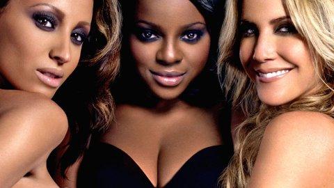 ELLE, MELLE... Kanye West har lagt sin elsk på Amelle Berrabah (t.v.) fra jentegruppa Sugababes.
