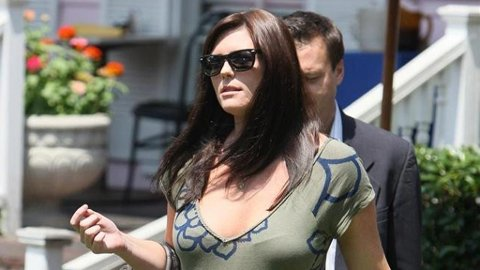 SAMANTHA BURKE venter Jude Laws barn.