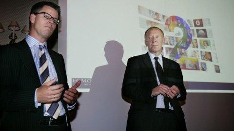 Konsernsjef i Egmont, Steffen Kragh (t.v.) og konsernsjef i A-pressen, Alf Hildrum,