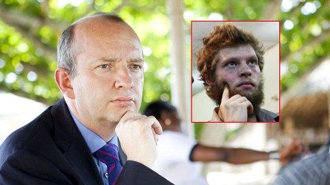 Den britiske konsulen i Kinshasa, Terence Robins, skal hjelpe Joshua French.