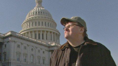 MR MOORE DRAR TIL WASHINGTON: Michael Moore vil finanskrisens årsaker til bunns i «Capitalism - A Love Story»