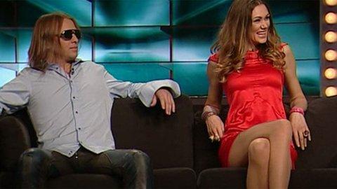 UPROFESJONELT: - De kunne ha byttet kameravinkel eller flyttet på sofaen. Det var ekstremt uprofesjonelt av TV 2, sier Aulie.