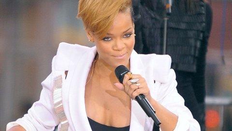 LIKER PUPPER: Men Rihanna er ikke biseksuell.