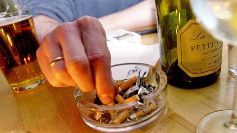 DAGEN DERPÅ: Nå i jula er det mange som får litt for mye alkohol av mange slag som gir fyllesyke.